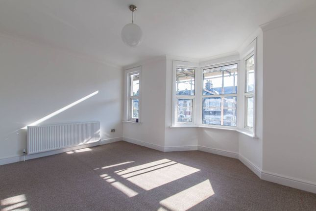 Thumbnail Property to rent in Shelbourne Road, Tottenham