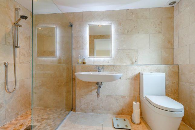 En-Suite of Eastworth Road, Chertsey KT16