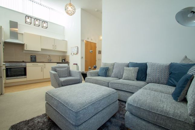 1 bed flat for sale in Pool Bank, Batchley, Redditch B97