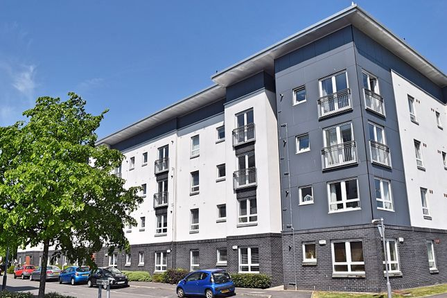 Thumbnail 1 bedroom flat for sale in Whimbrel Wynd, Renfrew