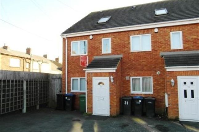 Town house to rent in Ivyway, Pelton, Chester Le Street