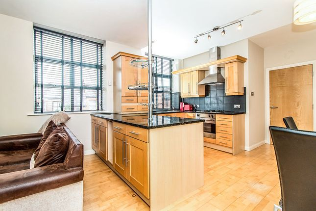 Thumbnail Flat to rent in Hawthorn Street, Wilmslow
