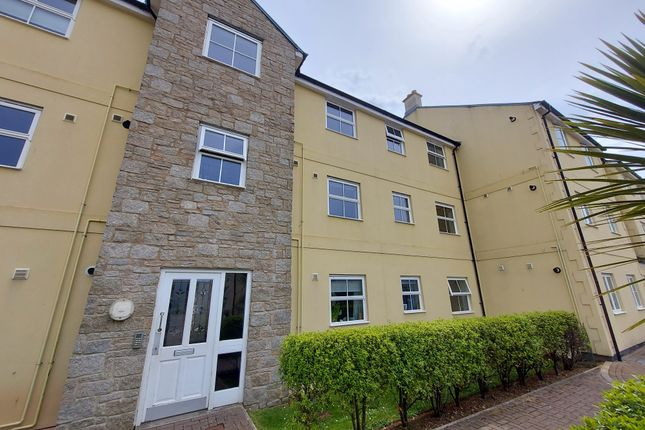 Thumbnail Flat to rent in Madison Close, Hayle, Cornwall