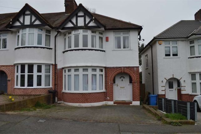 Room to rent in Westhurst Drive, Bromley, Kent BR7