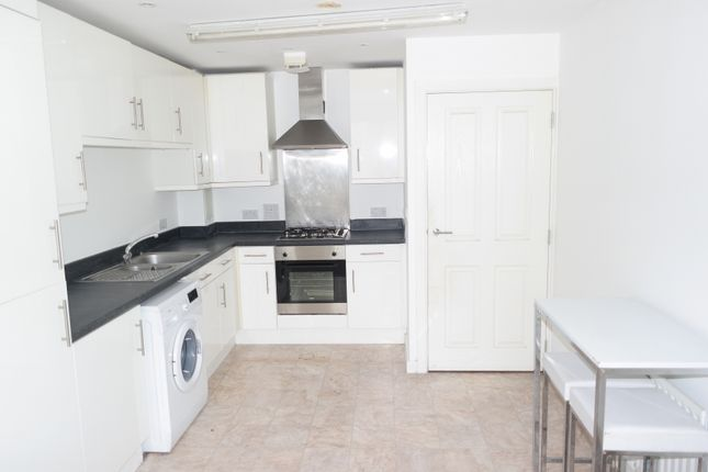 Thumbnail Flat for sale in Hayes Court, 183, Ealing Road