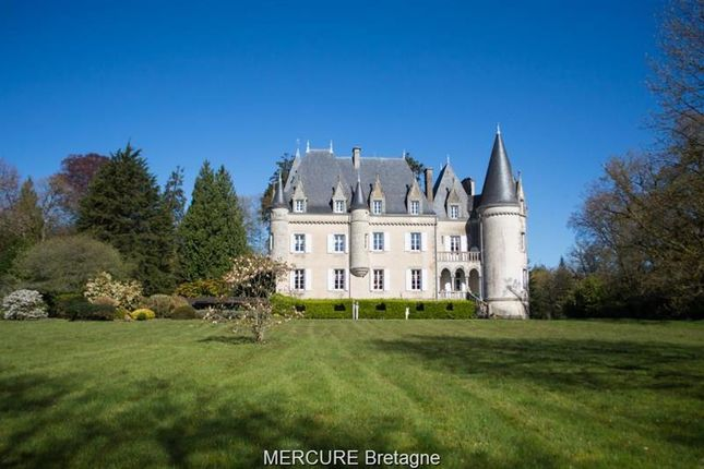 Thumbnail Property for sale in Loudeac, Bretagne, 22600, France