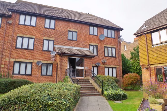 Thumbnail Flat to rent in Lawrence Court, Dover Road, Folkestone
