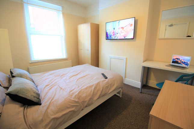 4 bed shared accommodation to rent in Catherine Street, Chester, Cheshire CH1