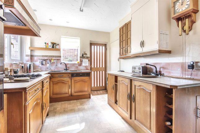 Picture No. 06 of Homewood Crescent, Chislehurst BR7