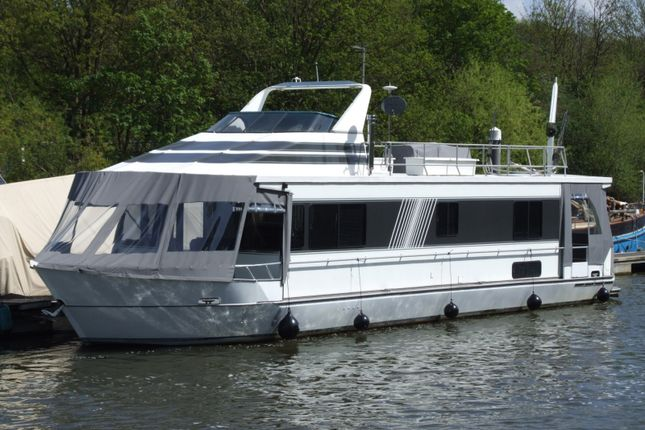 2 bed houseboat for sale in Teddington Lock, Ferry Road