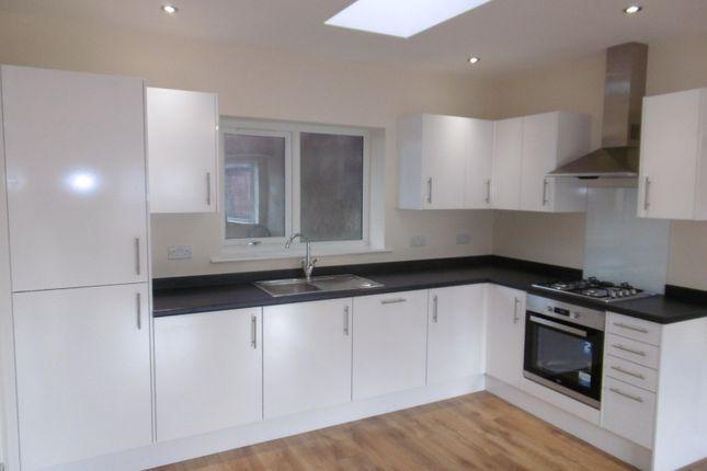 Thumbnail Flat to rent in Broadgate Avenue, Beeston