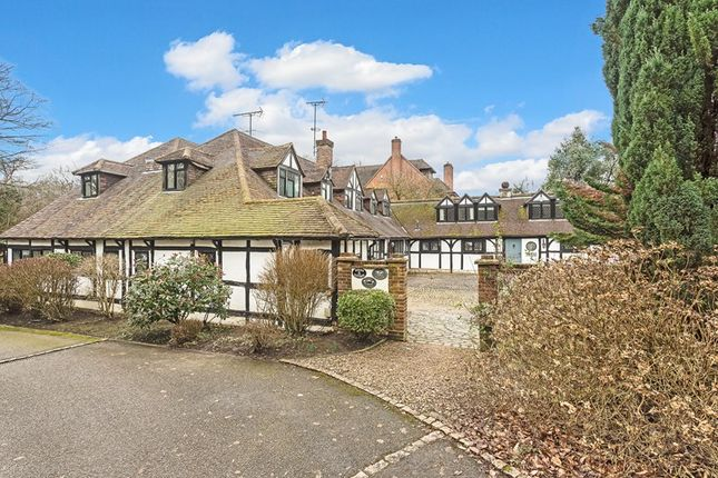Thumbnail Cottage for sale in The Ridge, Woldingham, Caterham