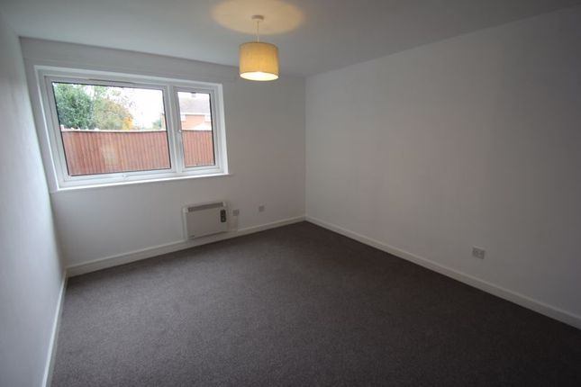Bedroom of Ridgeway Close, Studley B80