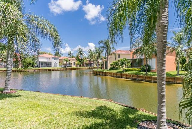 Property for sale in 1506 E Lake Ct, Hollywood, Florida, United States Of America