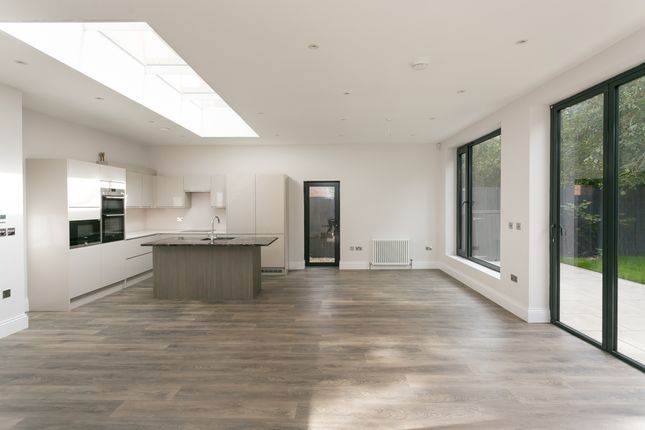 Thumbnail Flat to rent in Harold Road, London