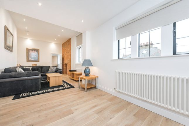 Thumbnail Flat to rent in Library Apartments, Bathurst Gardens, London