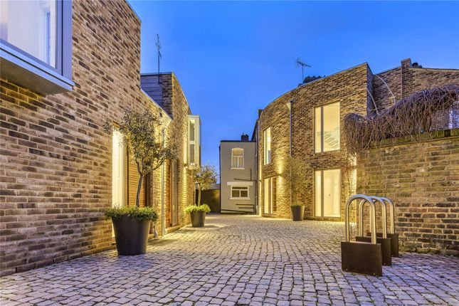 Thumbnail Terraced house for sale in Lycett Place, London