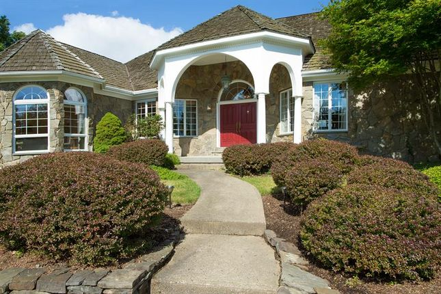 Property for sale in 8 Spy Glass Ln Staatsburg, Hyde Park, New York, 12580, United States Of America