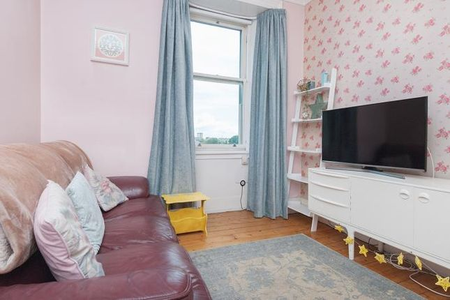 Thumbnail Flat to rent in Meadowbank Terrace, Edinburgh