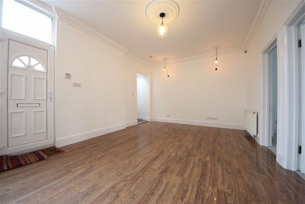 Thumbnail Property to rent in Brockley Road, London