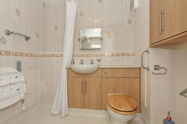 Bar-Bathroom of Barkers Court, Sittingbourne ME10