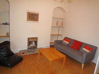1 bed flat to rent in 36F Wallfield Crescent, Top Floor AB25