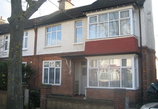 Thumbnail Flat to rent in Queens Road, Beckenham