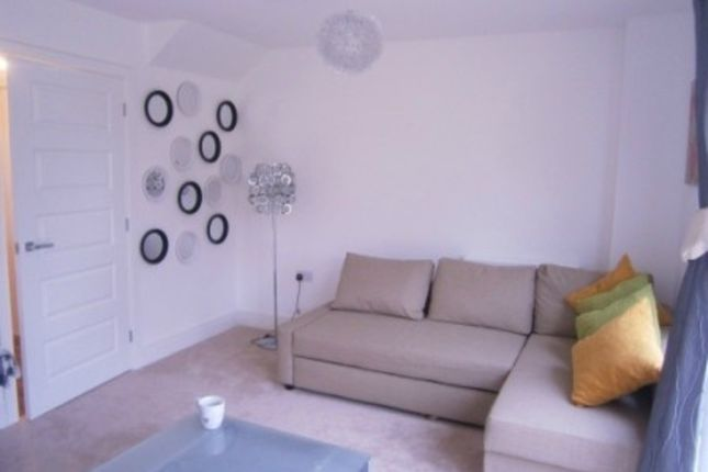 Thumbnail Room to rent in Epping Road, Corby