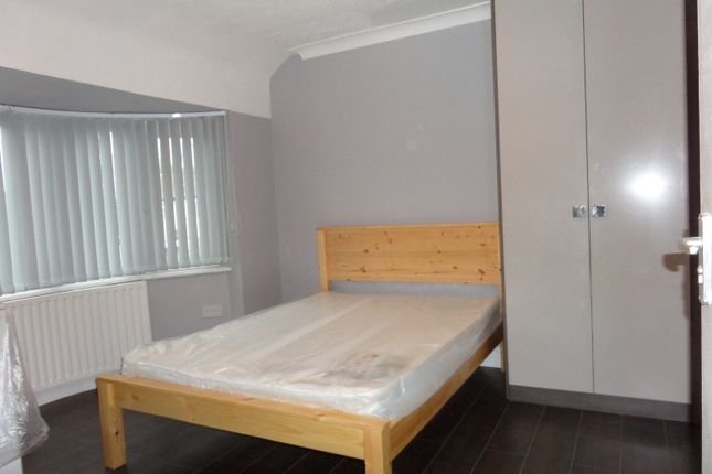 Thumbnail Room to rent in Marlow Gardens, Hayes