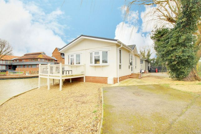 Thumbnail Mobile/park home for sale in Mill Road, Buckden, St. Neots