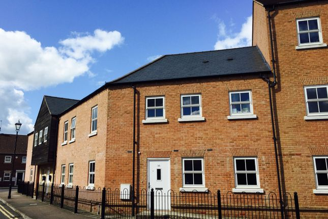 Thumbnail Flat to rent in Nymet Court, Aylesbury