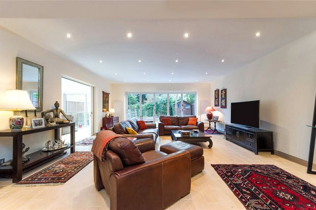 Thumbnail Property to rent in Sispara Gardens, London