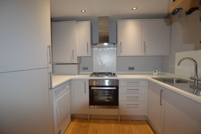 Thumbnail Detached house to rent in Heathfield Road, Bromley