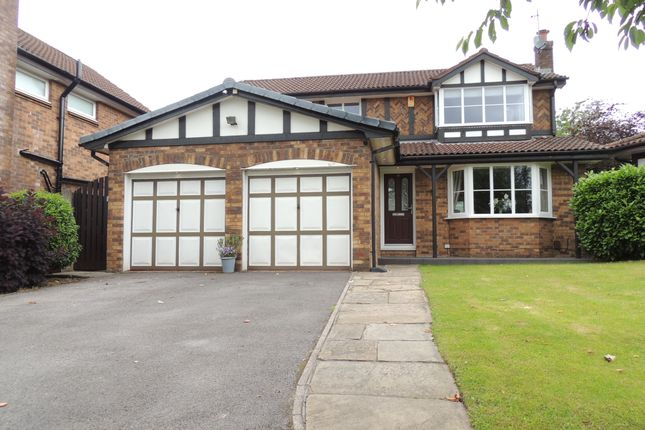 4 bed detached house for sale in Broadwood Close, High Lane, Stockport SK12