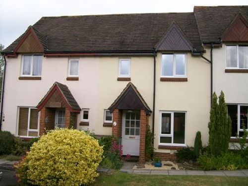 Thumbnail Terraced house to rent in Causeway Close, Chippenham, Wiltshire