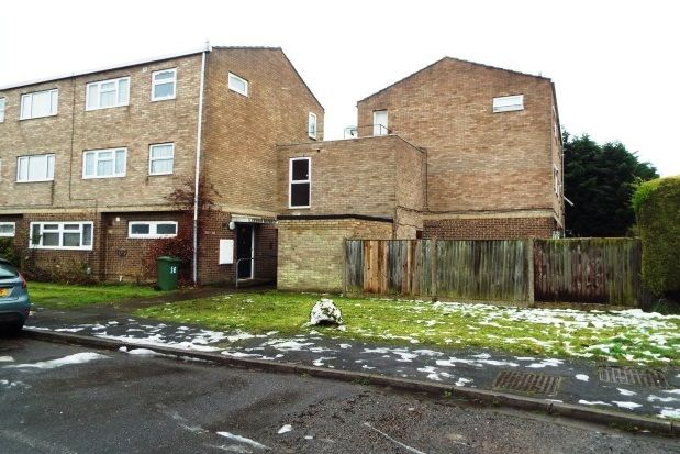2 bed maisonette to rent in York Place, Aylesbury