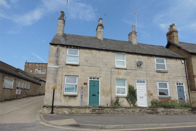 Thumbnail Cottage to rent in West Street, Stamford, Lincolnshire
