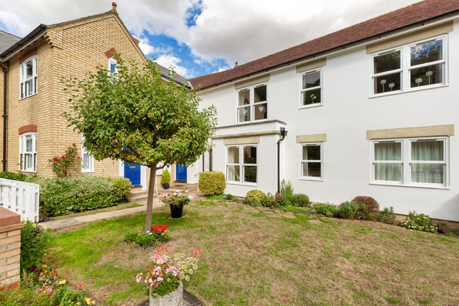Thumbnail Flat for sale in Cardinals Gate, Royston