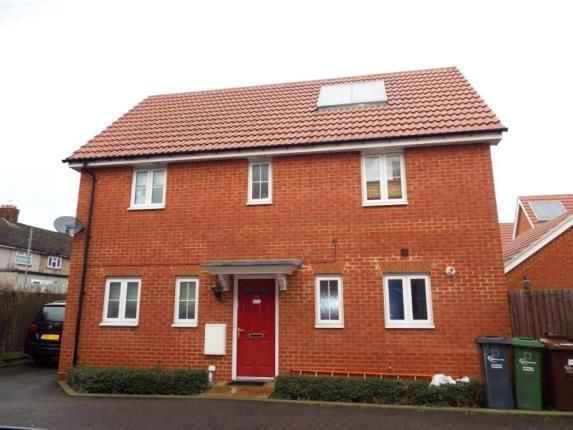 Thumbnail Detached house for sale in Panyers Gardens, Dagenham