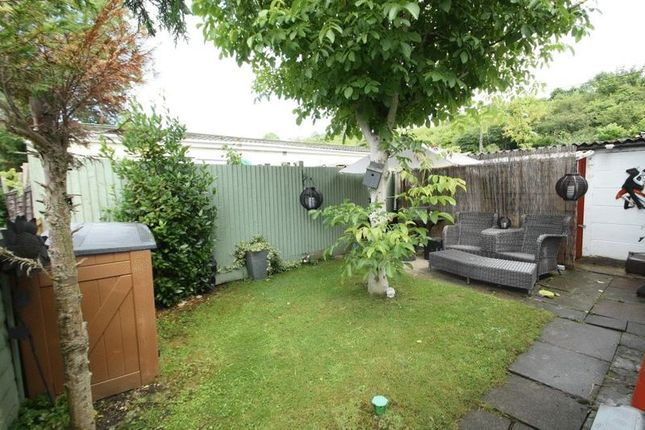 Mobile Home Park Rayners Avenue Loudwater High Wycombe HP10 2 Bedroom For Sale