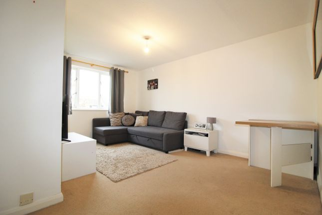 Thumbnail Flat to rent in 144 Burnt Ash Hill, Lee, London