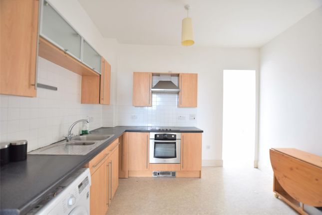 Thumbnail Flat to rent in The Crescent, Gloucester, Gloucestershire