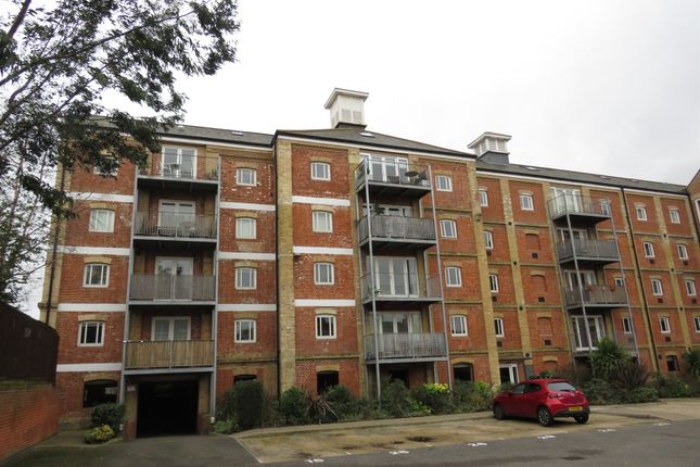 Thumbnail Flat for sale in School Lane, Mistley, Manningtree