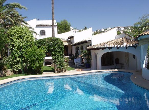 5 bed villa for sale in Spain, Valencia, Alicante, Pego