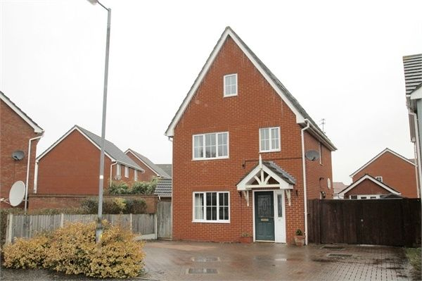Thumbnail Town house for sale in Gavin Way, Colchester, Essex
