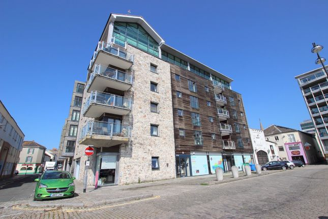 Thumbnail Flat to rent in Vauxhall Street, The Barbican, Plymouth, Devon