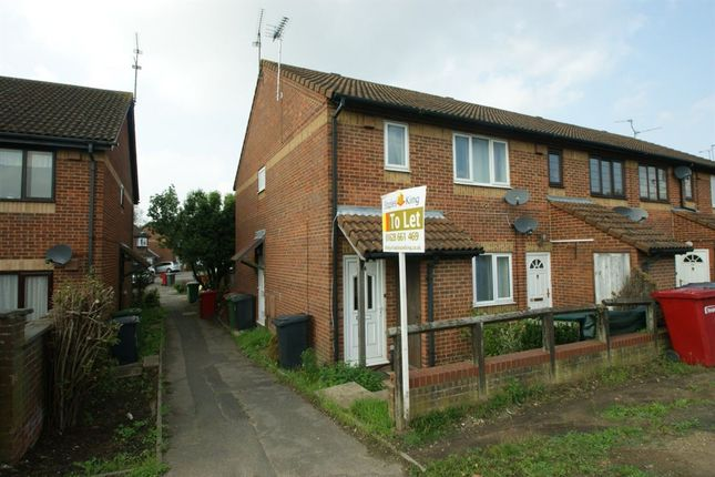 Thumbnail Maisonette to rent in Telford Drive, Cippenham, Slough