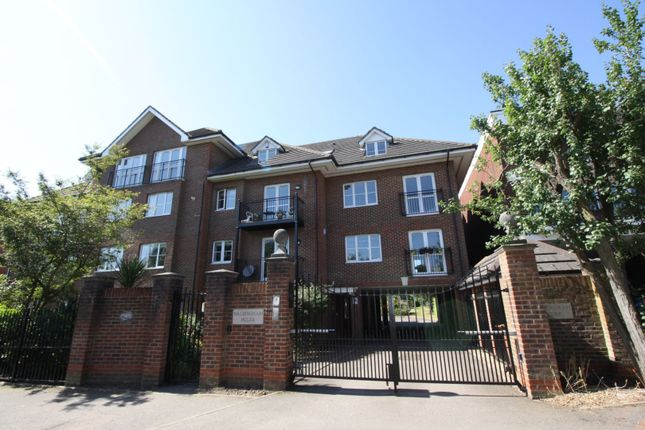 Thumbnail Flat for sale in 27 Forest View, Chingford