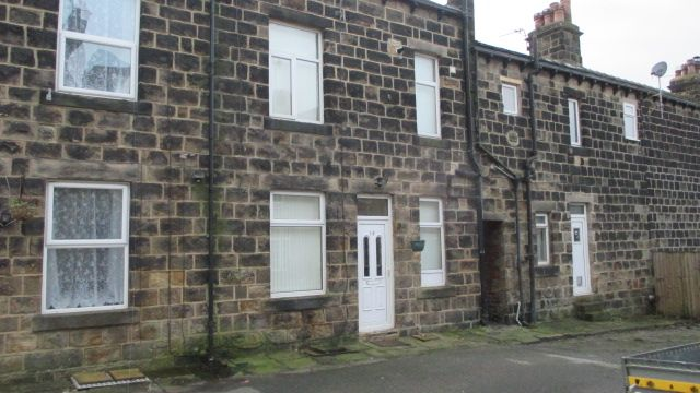 Thumbnail Terraced house to rent in Walker Road, Horsforth, Leeds