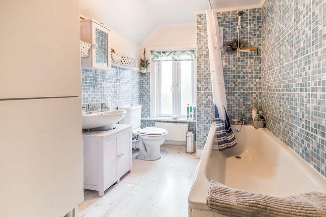 Bathroom of Baker Street, Rochester, Kent ME1